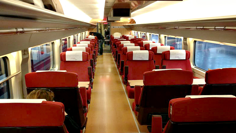 AVE Premium (preferente)1st Class (Turista plus) (img 3)