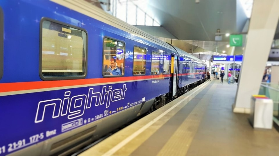 OEBB Nightjet ouside