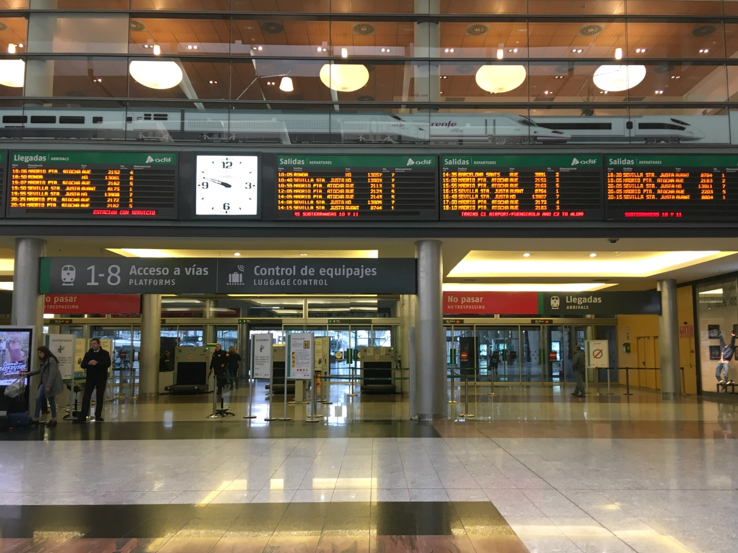Malaga station departures screen & interiors