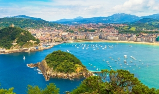 Everything you need to know about trains from Barcelona to San Sebastian: timetable, route info, tickets, and more