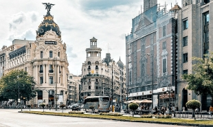 Learn more about Madrid to Porto trains: timetable, distance, route into & book your tickets on Rail Ninja!