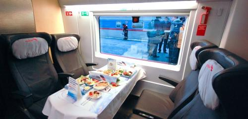 Business class seats on high-speed Sapsan